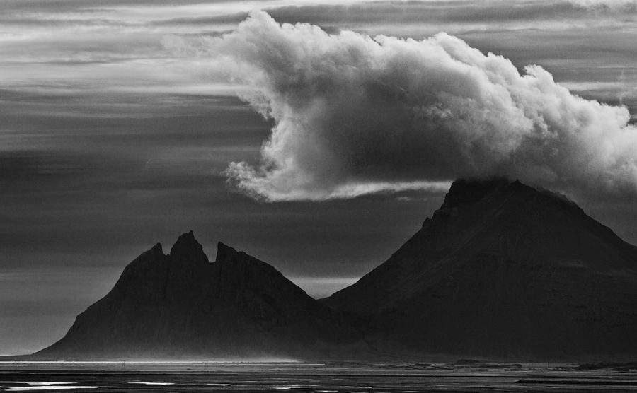 Dragons over Vesturhorn