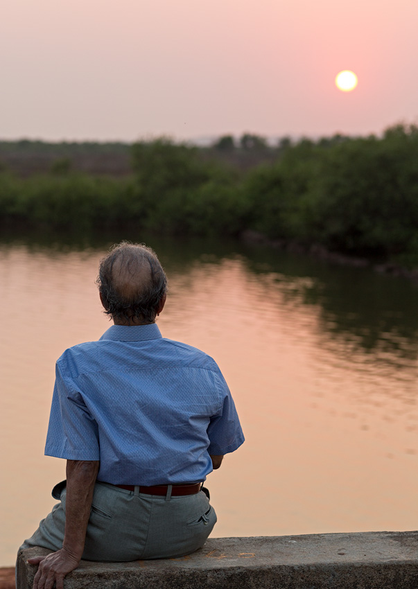 Pappa in Divar at sunset