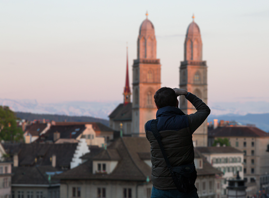 Local photographer shoots Grossmünster