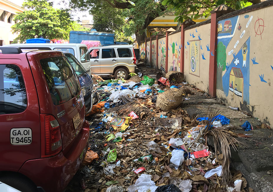 garbage in goa In goa, garbage has caught the imagination of one and all the state has been grappling with the problem like a sumo wrestler handling an oily snake.