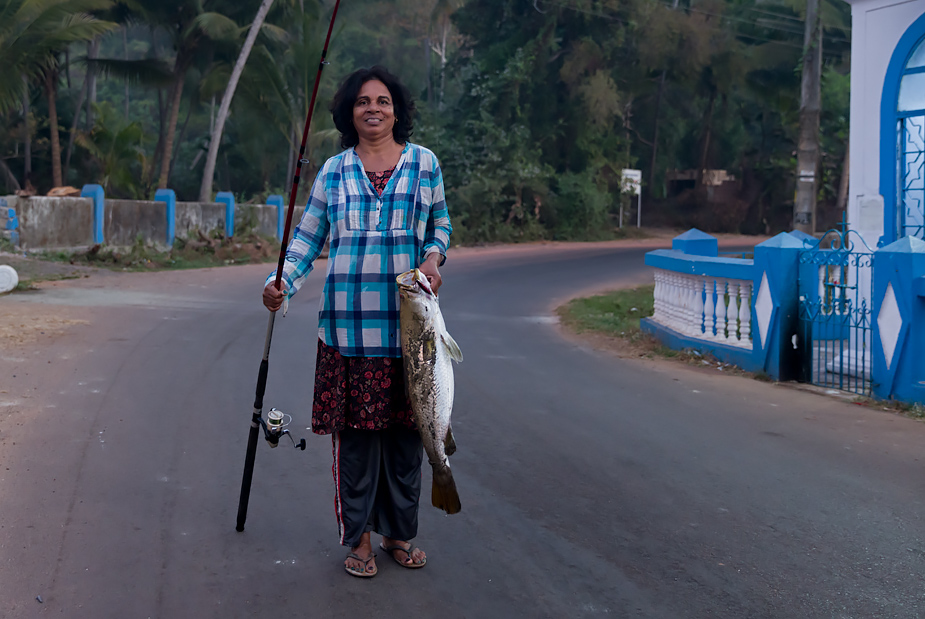 Margaret Fernandes of Reis Magos with her catch ('chonak')