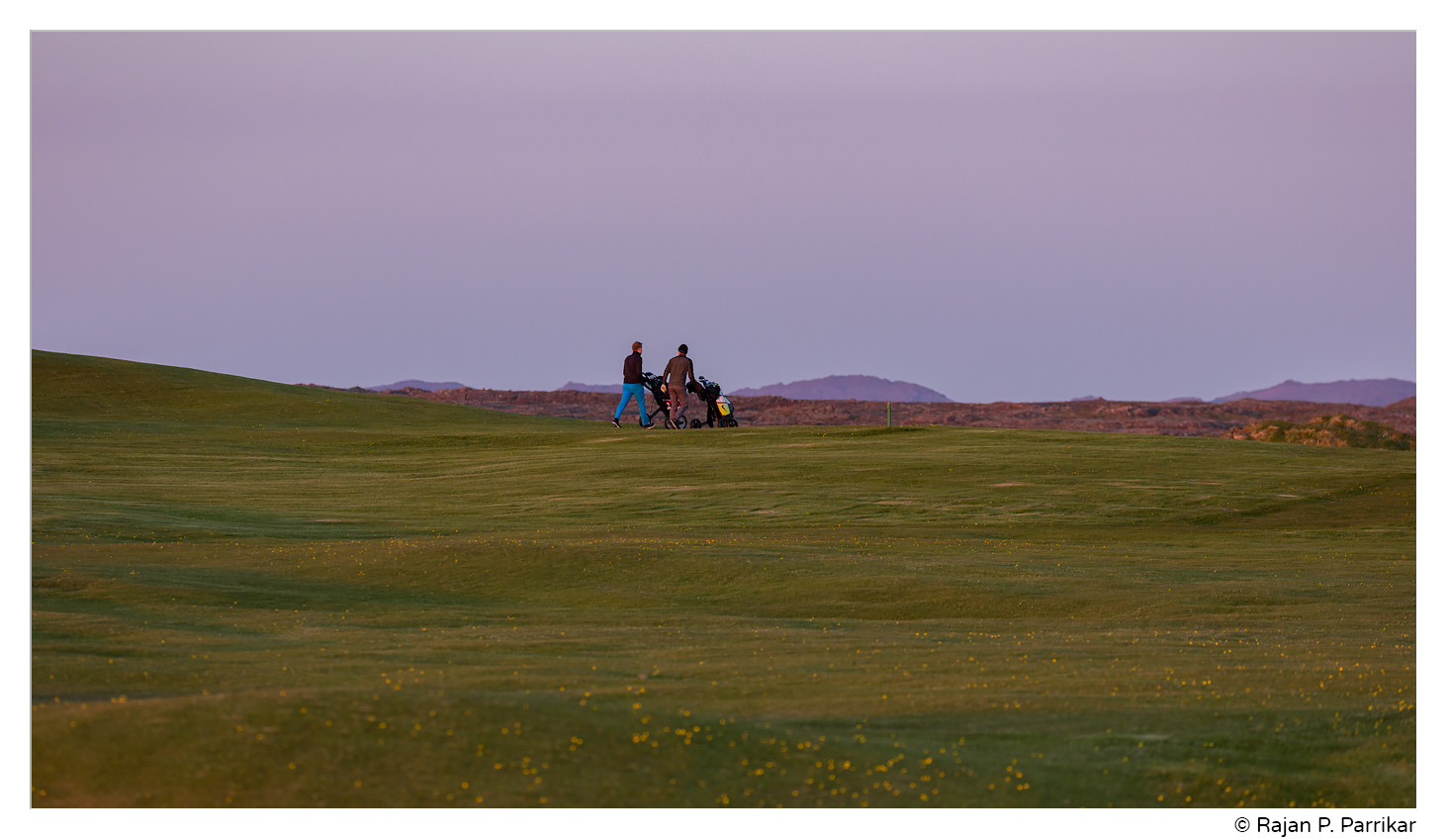 Midnight golf near Kálfatjarnarkirkja