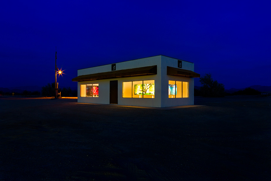 Peter Lik Gallery at Death Valley Junction