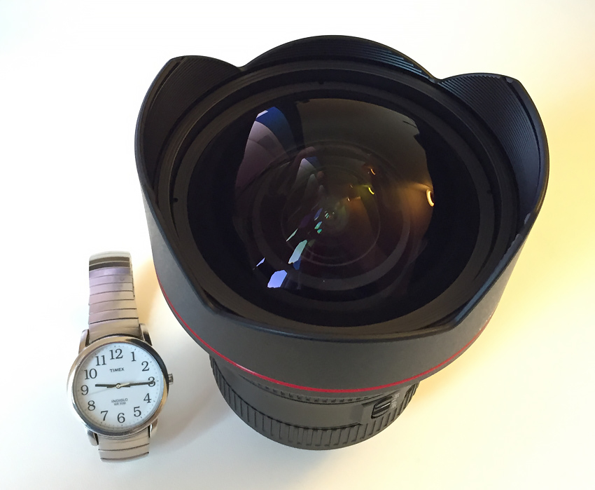Canon EF 11-24mm L f/4 lens