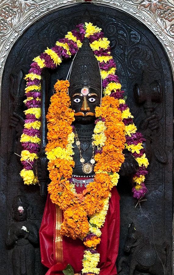 Ancient idol of Ravalnath at Mulgaon<br>5D, 85L II