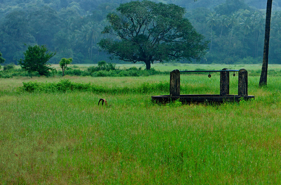 Outdoor well in Porvorim, Goa<br>5D, 70-200L f/2.8 IS