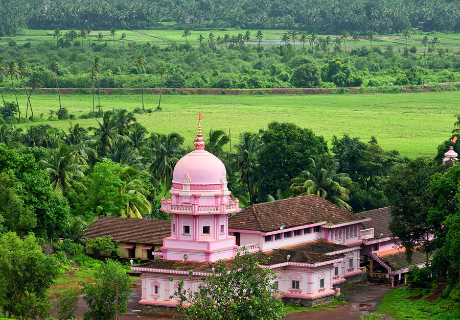 Temple of Goddess Lairai in Shirgaon, Goa<br>5D, 24-105L