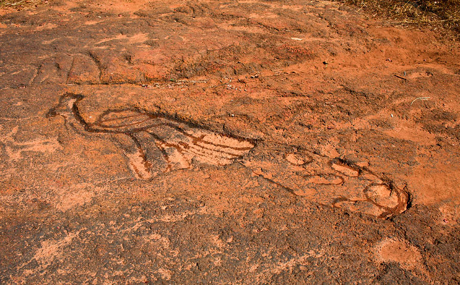 Prehistoric rock art in Usgalimol, Goa<br>5D, 35L