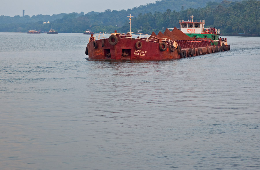 Barge on River Mandovi, Goa<br>5D Mark II, 24-105L