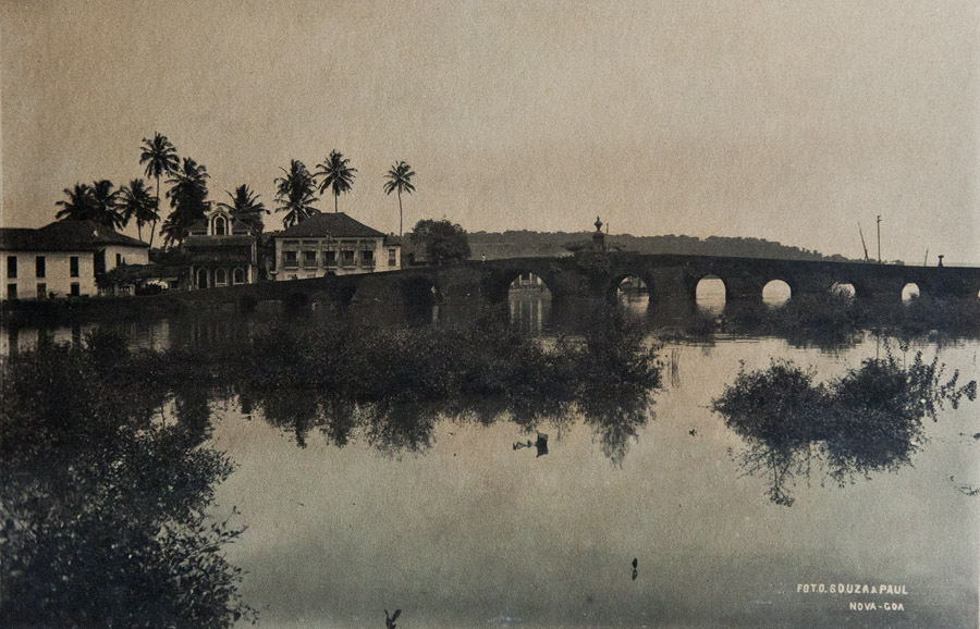 Ponte de Linhares c.1900 from the Central Library Archives
