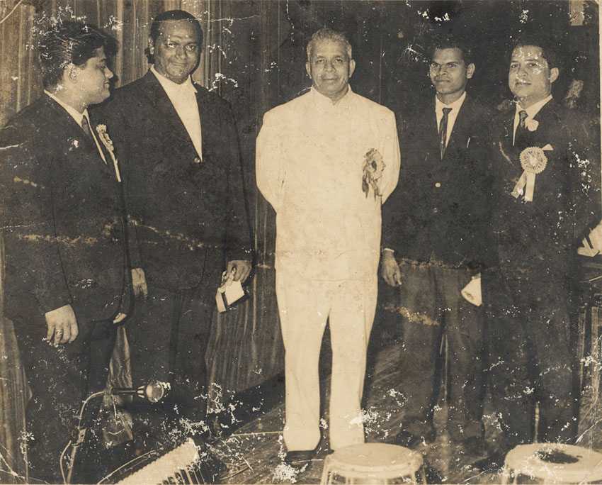 Laxmikant-Pyarelal Nite at Shanmukhananda Hall in 1963: (L-R) Pyarelal, Anthony, Goa's 1st Chief Minister Dayanand Bandodkar, Unknown, Laxmikant