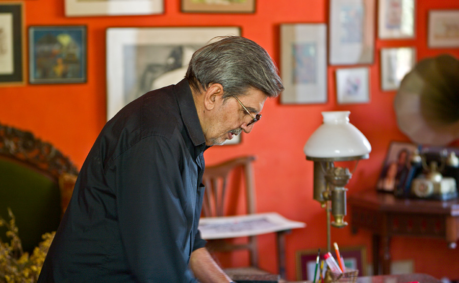 Mario Miranda in his study in Loutolim, Goa