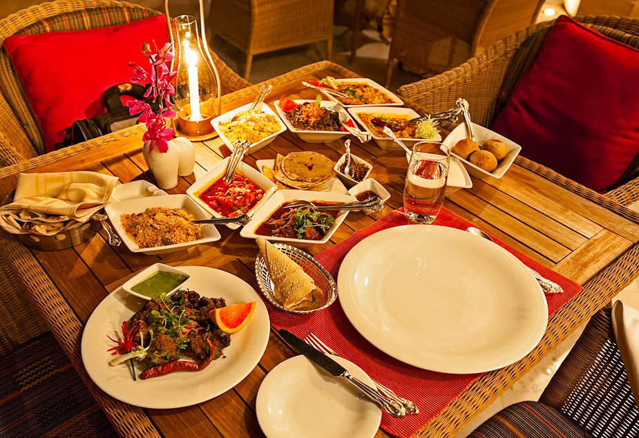 Al fresco dining: traditional Rajasthani food